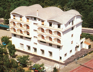 roof-italy-parco delle rose hotel1.png
